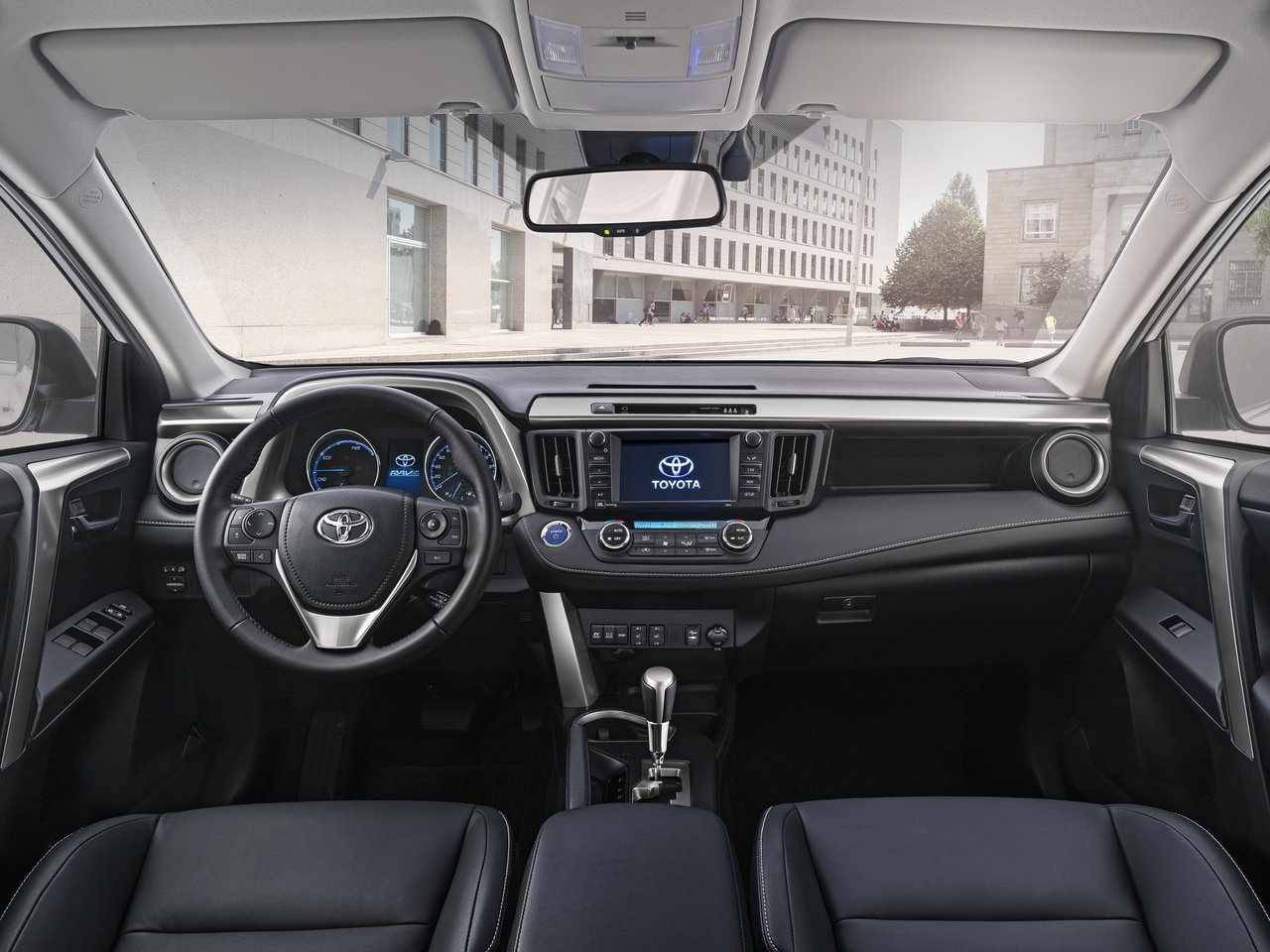 Интерьер Тойота Рав 4 2018 года