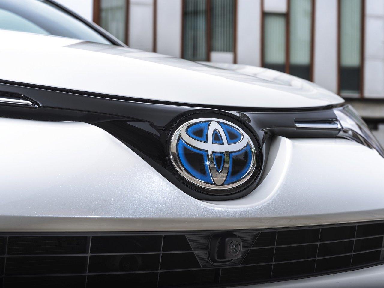 Экстерьер Тойота Рав 4 2018 года в новом кузове