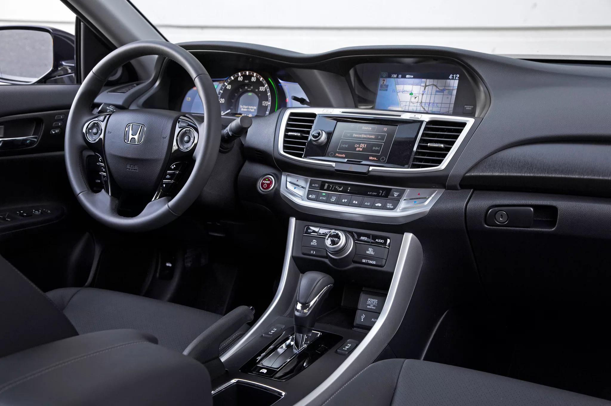 Мультимедия Хонда Аккорд 2018 года