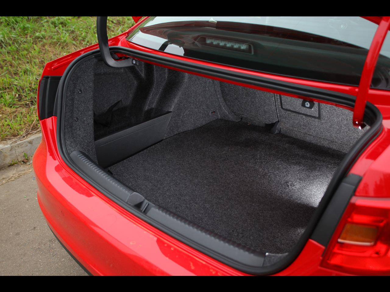Багажник нового Фольксвагена более вместительный